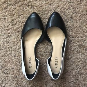 Guess shoes ballet flats black and white